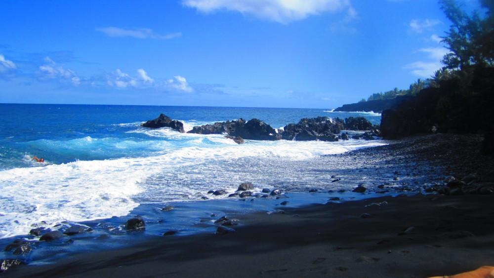 Black Magic at Kehena Beach, Hawaii (3/6)